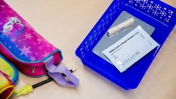 Hasse besteht auf Datenschutz bei Corona-Tests an Schulen