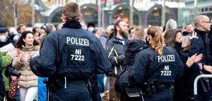 """Verfassungsschutz sieht Radikalisierung von Corona-Leugnern """"mit großer Sorge"""""""