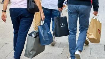 +++ Corona-Update +++: IW: Bundesbürger gaben wegen Corona deutlich weniger für Konsum aus
