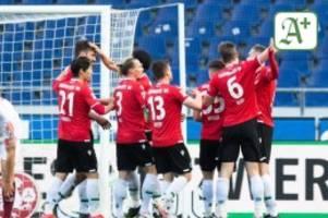 Fußball: Negativserie vorbei: Hannover 96 gewinnt gegen Regensburg