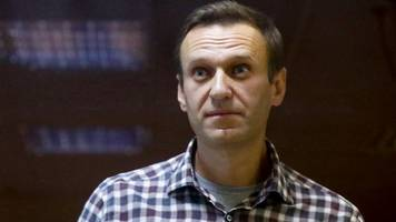 Freiheit für Nawalny - Demo zieht zur Russischen Botschaft