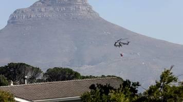 Kampf gegen das Feuer: Großbrand in Kapstadt weitgehend unter Kontrolle