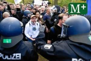 Corona-Pandemie: Querdenker-Demo: Warum das große Chaos in Berlin ausblieb