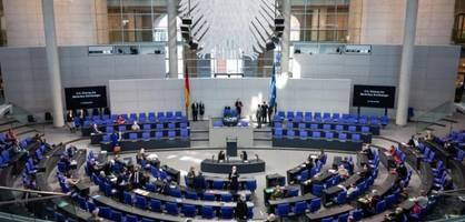 Bundestag debattiert über wachsende Gefahr einer Eskalation in der Ukraine