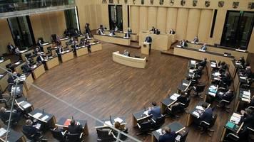 +++ Corona-Update +++: Infektionsschutzgesetz mit Bundes-Notbremse geht durch den Bundesrat