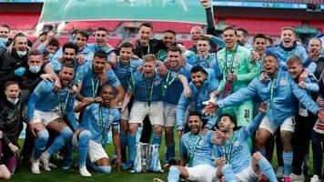 zuschauer im wembley-stadion: manchester city gewinnt englischen ligapokal