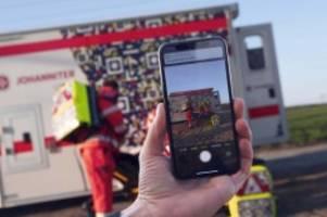 Notfälle: QR-Code an Rettungswagen soll Unfall-Gaffer abschrecken