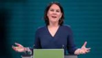 kanzlerkandidatur der grünen: blau