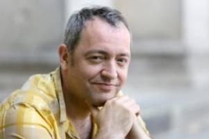 Liedermacher: Rainald Grebe spricht über seine schwere Krankheit