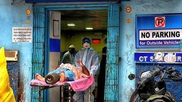 pandemie: corona stürzt indien in die krise