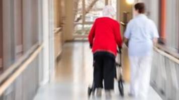 altenpflege: minister heil dringt auf höhere löhne per gesetz