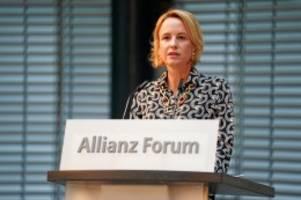 """Journalismus: Julia Becker: """"Google und Facebook bedrohen Pressefreiheit"""""""