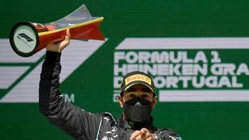 Formel 1 - Mercedes-Teamchef: Mit Hamilton noch eine Zeit dranhängen