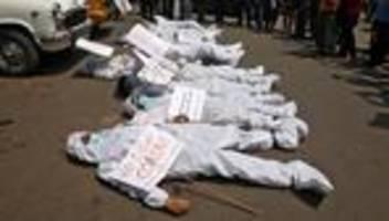 Indien in der Corona-Krise: Auch der Demokratie wird die Luft genommen