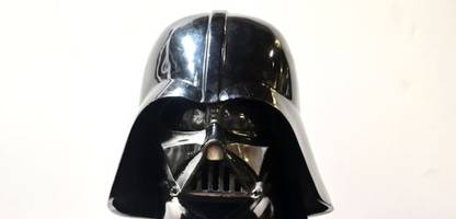 »Star Wars«: Darth-Vader-Maske in Großbritannien für mehr als 2500 Euro versteigert