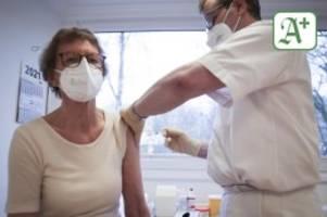 Corona-Impfung: Warum das Impfen bei den Hamburger Hausärzten stockt