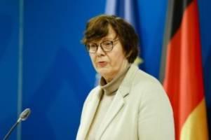 Extremismus: Ministerin: Corona-Proteste nicht von Extremisten gesteuert