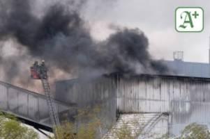 Hamburg: Großalarm: Feuer im Kraftwerk Tiefstack ausgebrochen