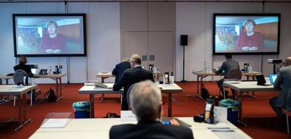 """""""Aufopferungsvoller Einsatz"""" – Merkel dankt Ärzten und Pflegern"""
