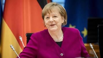 Corona-Lage in Deutschland: Angela Merkel sieht Licht am Ende des Tunnels