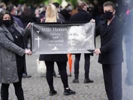 Willi Herren in Köln beigesetzt: Mach et joot und auf Willisehen