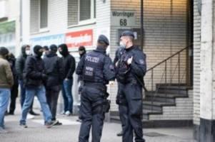 extremismus: salafistischer verein ansaar verboten: bundesweite razzia