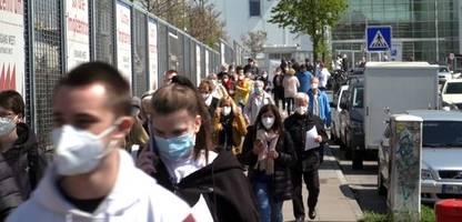 impfzentrum in hamburg: deutschlands größte legale massenveranstaltung