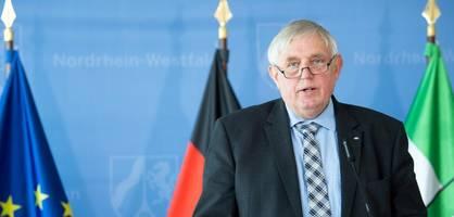 Gesundheitsminister Laumann informiert über die aktuelle Lage und das Impfgeschehen