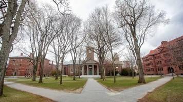 +++ corona-update +++: us-universität harvard führt corona-impfpflicht für studenten ein
