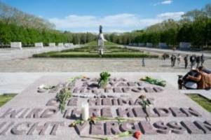 Geschichte: Fahrradkorso und Friedenstoast: Gedenken an Kriegsende