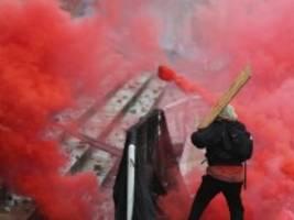 Kolumbien: Proteste gegen Steuerreform geraten außer Kontrolle
