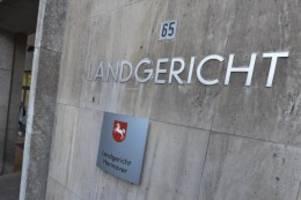 Kriminalität: Ehemann aus Angst erstochen: 47-Jährige wird freigesprochen