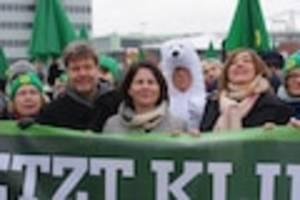 """angespitzt – kolumne von ulrich reitz - grüne wollen """"deutschland"""" aus programm streichen - auftakt für eine identitätskrise"""