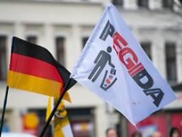 immer weiter radikalisiert: pegida ist verfassungswidrige bewegung