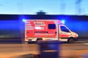Unfälle: Roller prallt gegen Kinderwagen: Zwei Mädchen verletzt