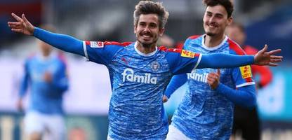 2. Bundesliga: Holstein Kiel siegt deutlich gegen den FC St. Pauli