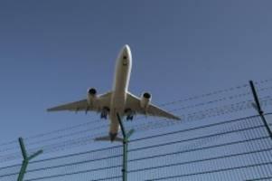 Fliegen ohne Flugscham: Der Luftverkehr soll klimaneutral werden - aber wie?