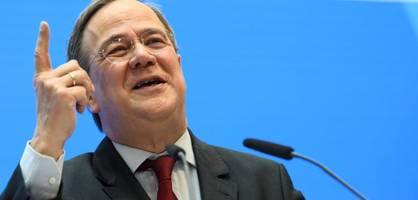 warum kanzlerkandidat laschet auf volles risiko in berlin setzt