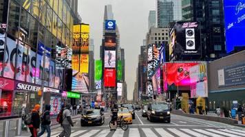corona-news: new york will impfstationen für touristen einrichten