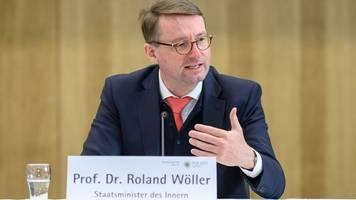 minister wöller: einstufung von pegida längst überfällig