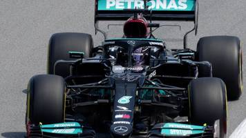Formel 1: Hamilton im Training in Barcelona vor Teamkollege Bottas