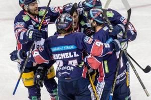 Eisbären Berlin krönen sich zum Eishockey-Jubiläumsmeister