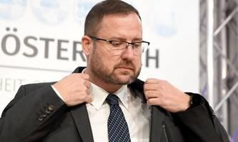 Verhöhnung des Parlaments: FPÖ fordert sofortigen Rücktritt von Blümel und Kurz