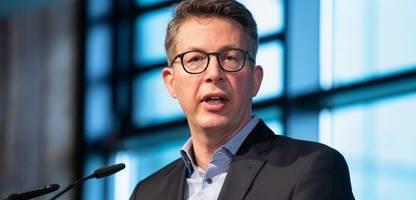 Union: CSU-Generalsekretär Blume macht Armin Laschet für Umfragetief verantwortlich