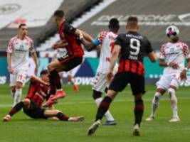Bundesliga: Zu wenig Frankfurter Sitzfußball