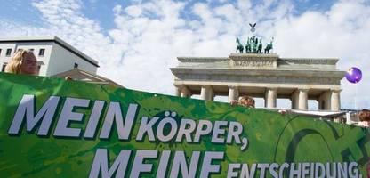 Die Grünen pochen auf flächendeckende Versorgung bei Schwangerschaftsabbrüchen