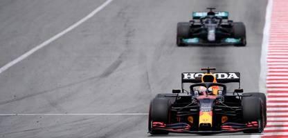 Formel 1 in Barcelona: Lewis Hamilton gewinnt spannendes Duell mit Max Verstappen