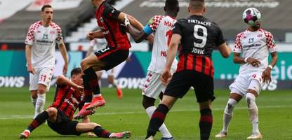 Fußball-Bundesliga: Ajdin Hrustić rettet Eintracht Frankfurt Punkt gegen Mainz 05