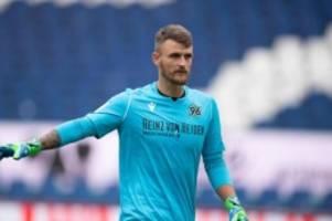 Fußball: Hannover 96 wechselt Torwart für die letzten drei Spiele