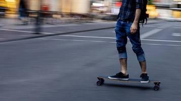 Dortmund: Polizei stoppt 49-jährigen Skater mit 25 km/h – Führerschein weg